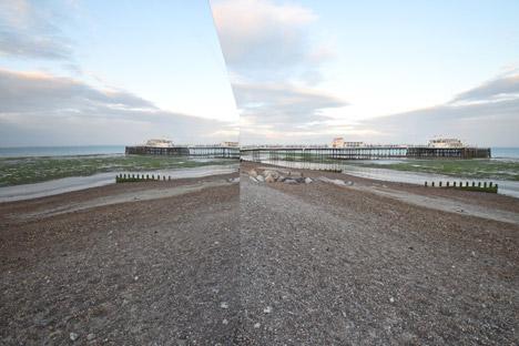كلبه آينهاي در ساحل انگليس