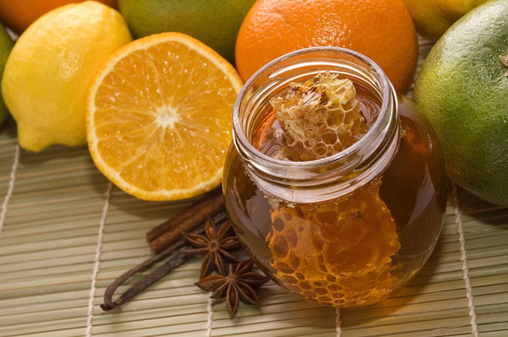 4 روش ساده برای درمان سرفه و گلو درد